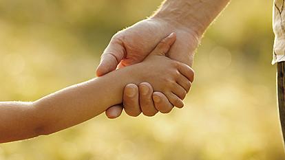 """""""Трикови"""" за позитивно родителство и среќни деца"""