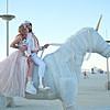 Најоригиналната свадба на годината со фустан кој свети и гости еднорози