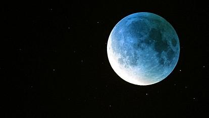 """Наскоро нè очекува редок небесен феномен за """"Ноќта на вештерките"""""""