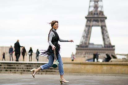 10 модни парчиња што секоја Французинка ги има во својот гардеробер