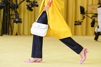 """""""Прада"""" со виртуелна модна ревија за новата колекција пролет/лето 2021 година"""
