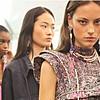 Најдобрите модни комбинации од Париската модна недела за пролет/лето 2021 година