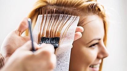 Нов тренд за боење на косата - AirTouch воздушна техника