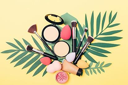 Бидете средени и на високите температури: Смела летна шминка