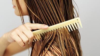 Дневна рутина за нега на права коса
